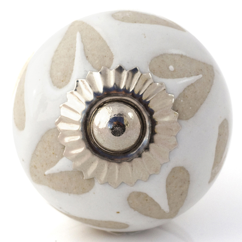 Cream/Beige Etched Hearts Knob
